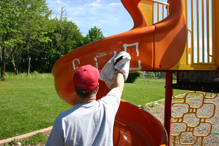Remove Graffiti with Tagaway on Play Ground Slide
